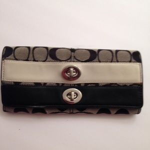 COACH double turnlock sig c and leather wallet